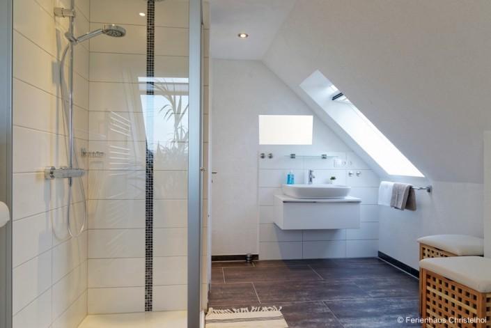 Badezimmer im OG mit 10,8 m²