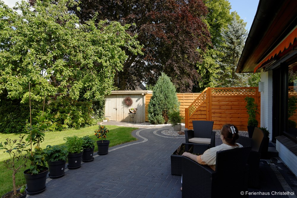 Relax on the terrace of Christelhoi holiday home