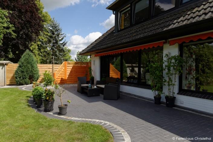Die große Terrasse zum entspannen