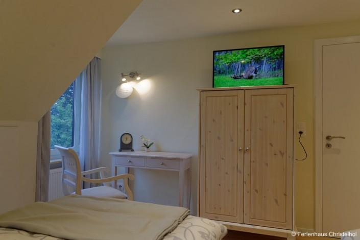 Zweibett- oder Doppelbettzimmer Ursel mit 13,6 m² im OG